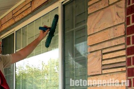 Чем отмыть окна от цемента